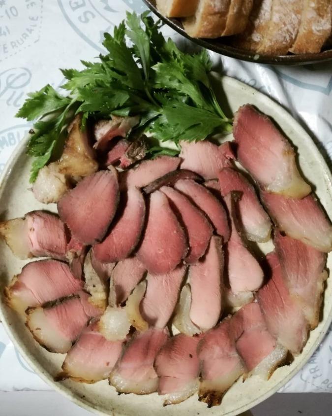 猪モモ肉のロースト。