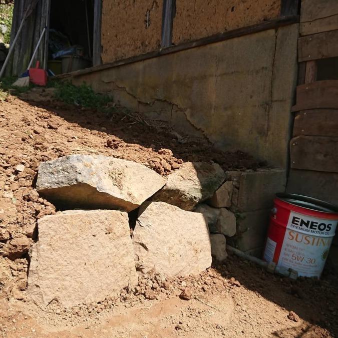 石段を作っていました